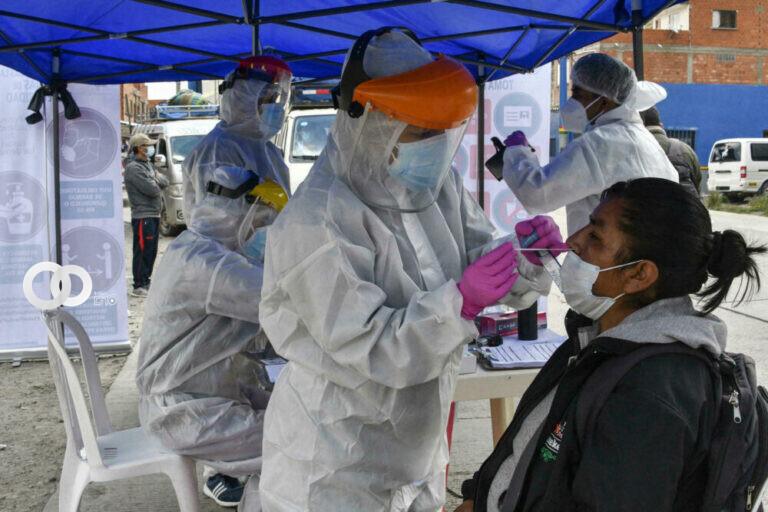 Reportan disminución de contagios por Covid-19 en La Paz