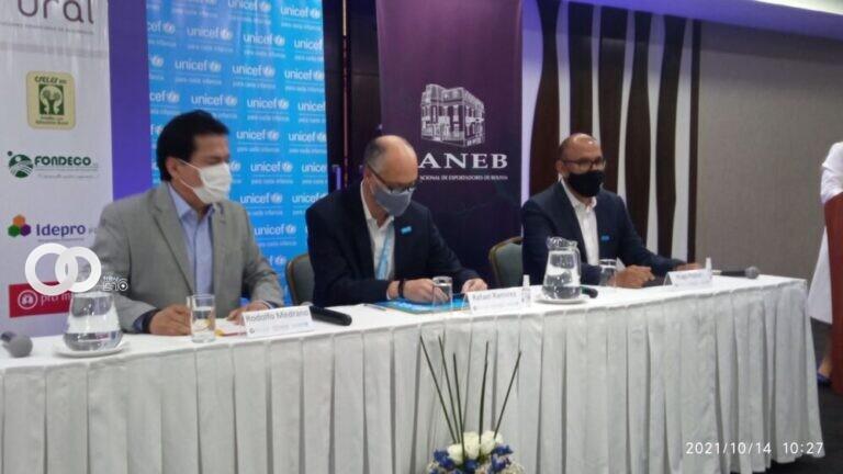 UNICEF firmó con CANEB y FINRURAL para promover la vacunación contra la covid-19