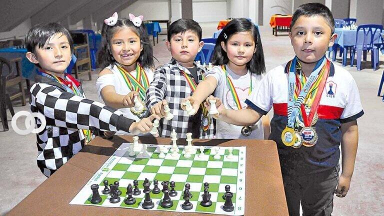Niños ajedrecistas de Cochabamba logran títulos nacionales