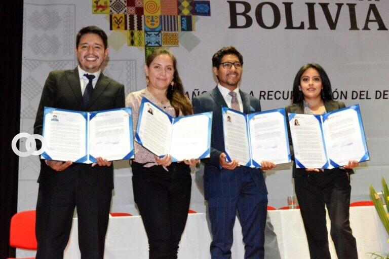 Educación lanza convocatoria para el programa «100 Becas» en 193 especialidades