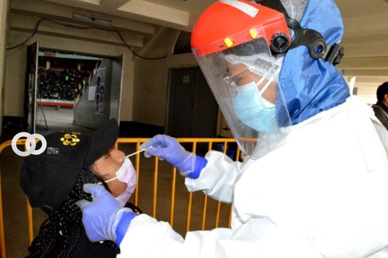 Mitad de los maestros del país están inmunizados con las dosis completas contra la COVID-19