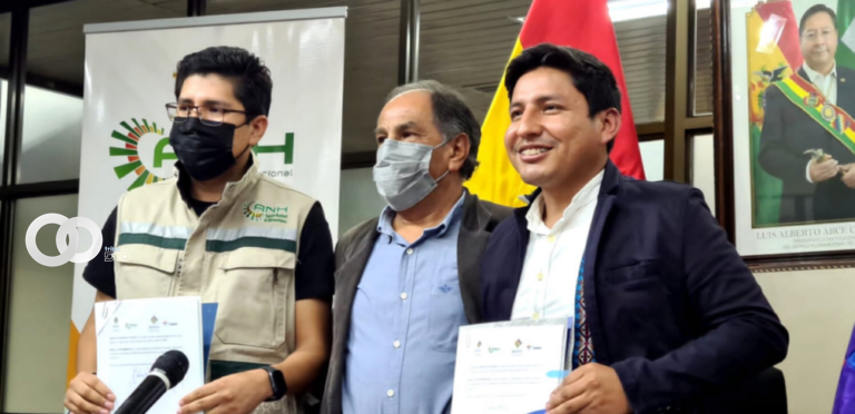ANH firmó un acuerdo interinstitucional con Correos Bolivia