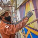 La Paz: estudiantes de Artes de la UMSA se suman a pintado de murales
