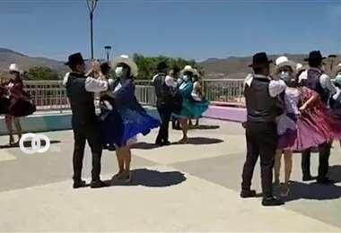 Sacaba y El Alto organizaron celebraciones para destacar la danza de la cueca